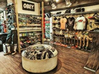 LOGO SHIFTY Board Shop